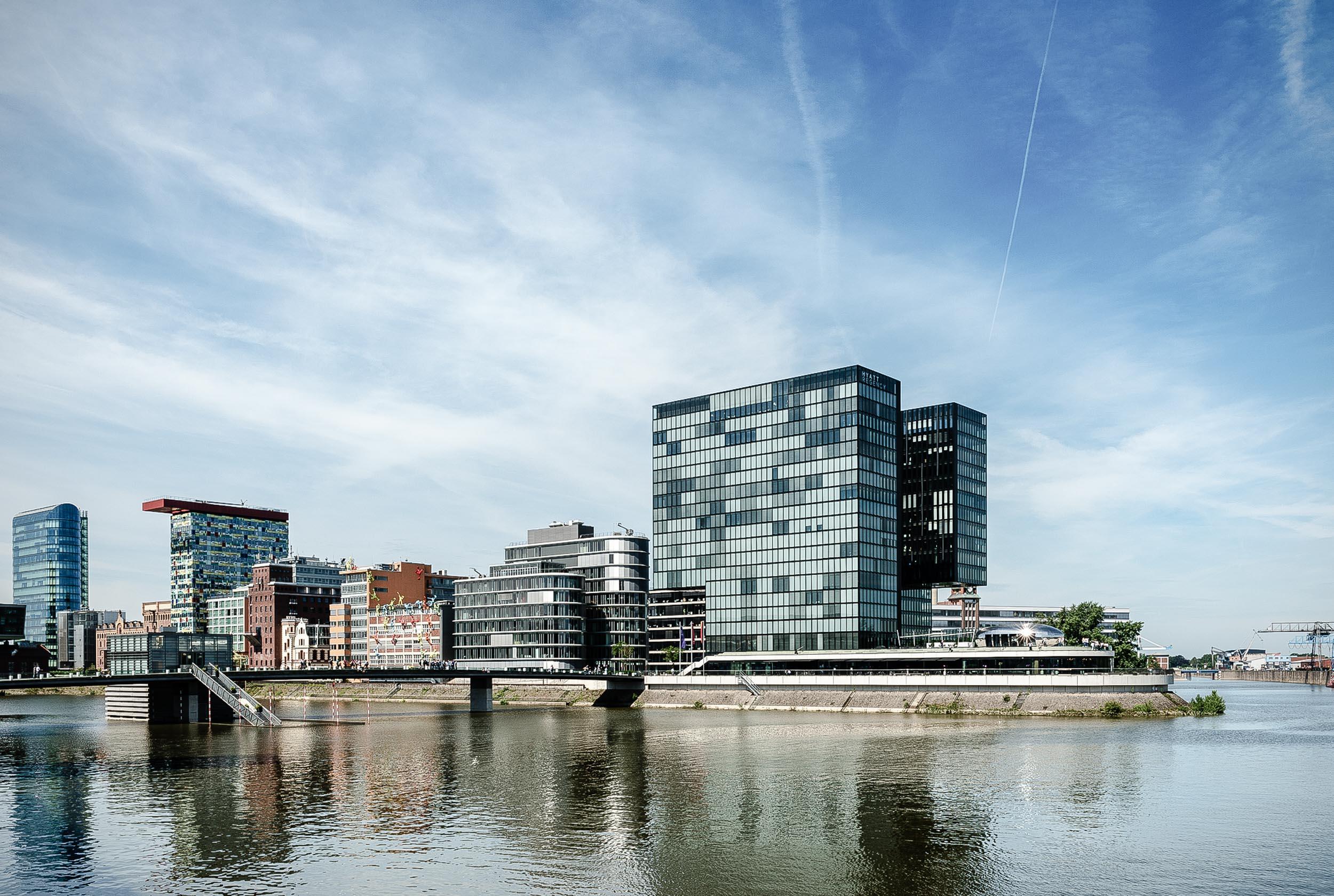 Development 04 - Außenansicht Hotel Hafenspitze Düsseldorf