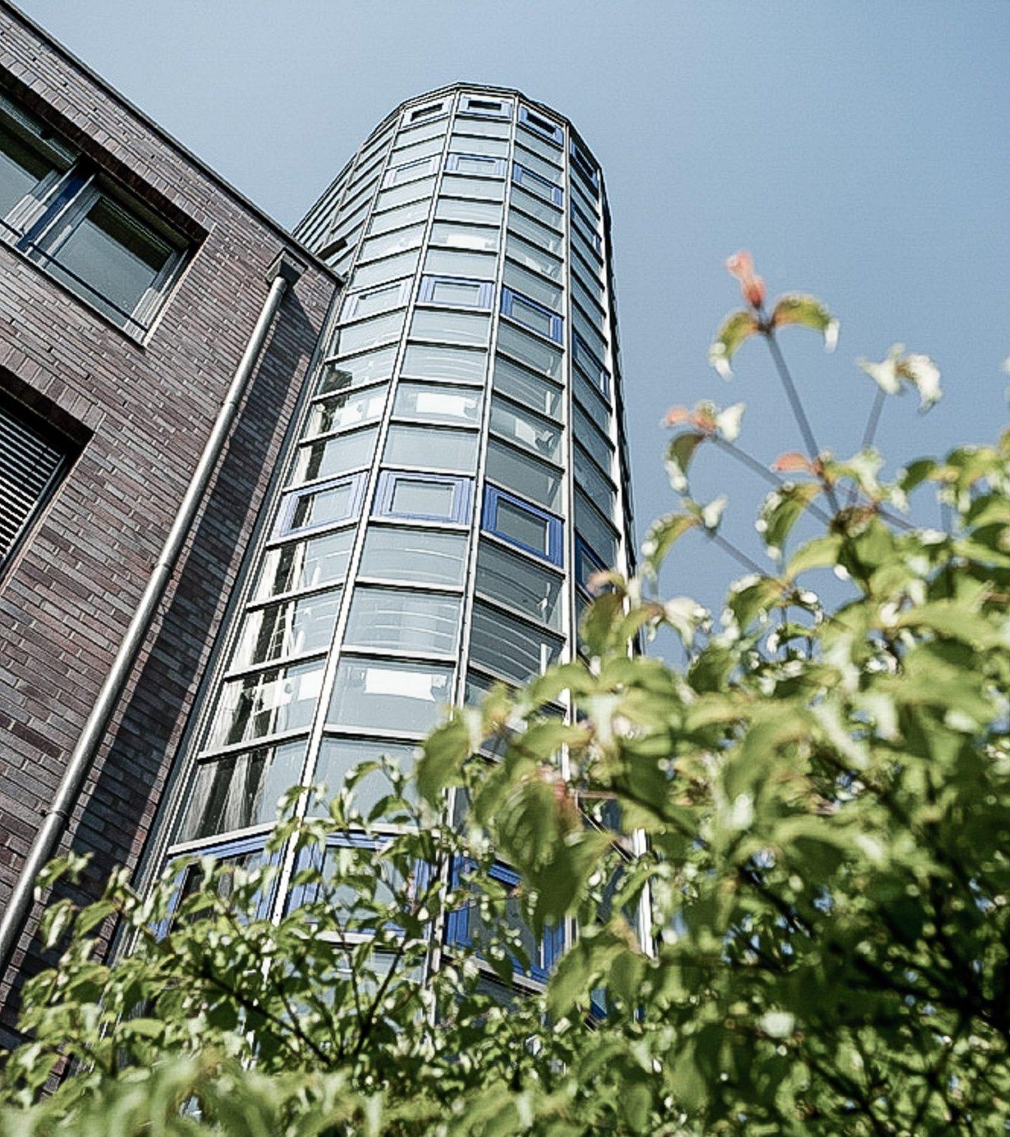 Dorotheenstraße Hamburg - Glasturm des Gebäudes