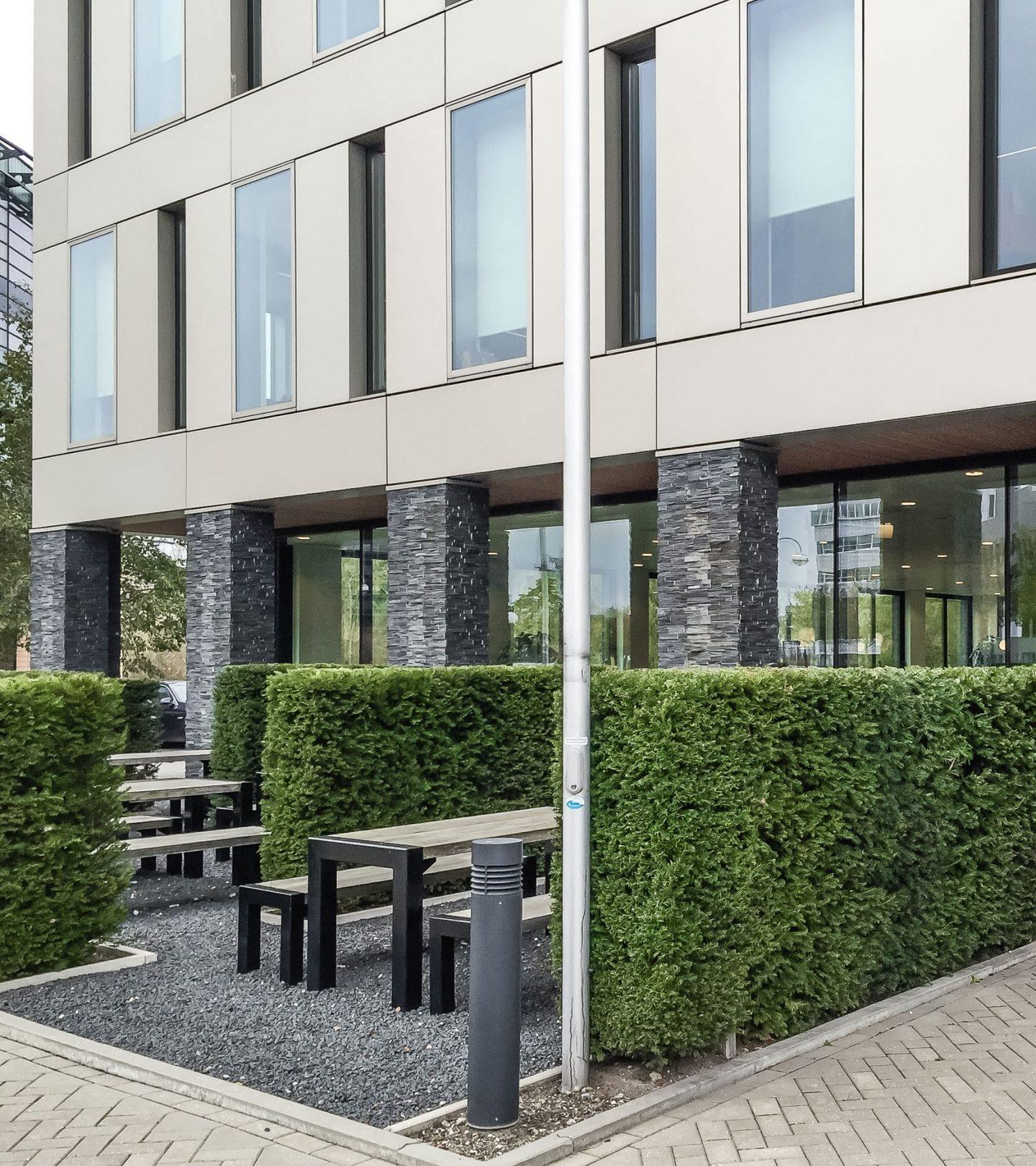 Holland 67 - Außenbereich mit Sitzmöglichkeiten Vegalaan Hoofddorp