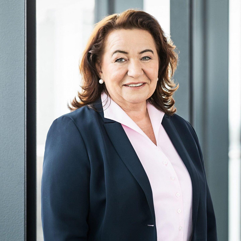 Cristina Olivier, Ansprechpartnerin für Personal
