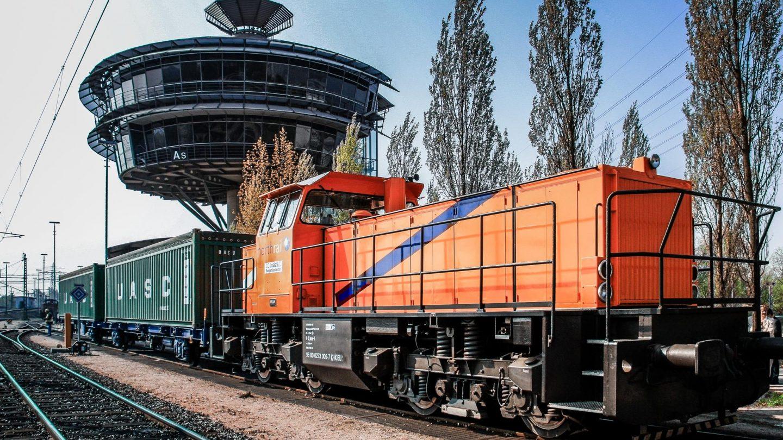 Paribus Rail Portfolio I - northrail-Lokomotive auf Gleisen