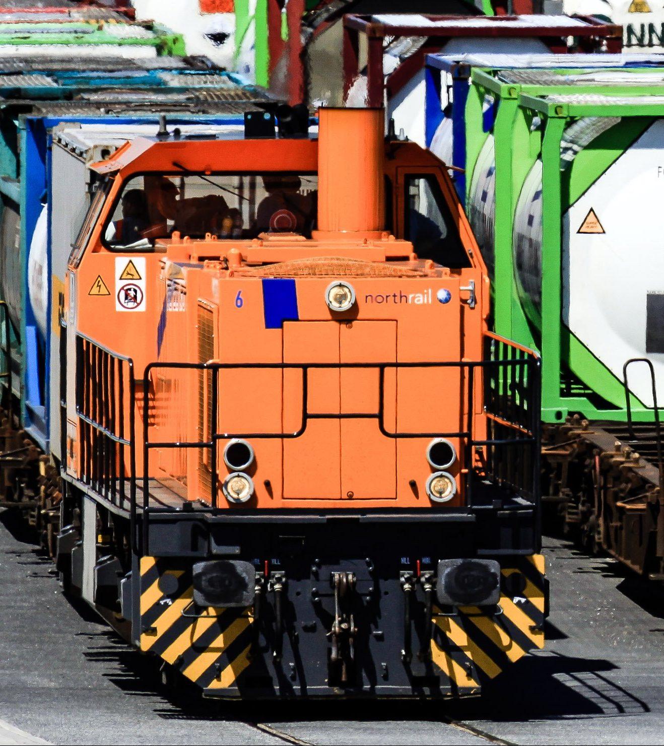 Paribus Rail Portfolio I - northrail-Lokomotive mit Güterwaggons