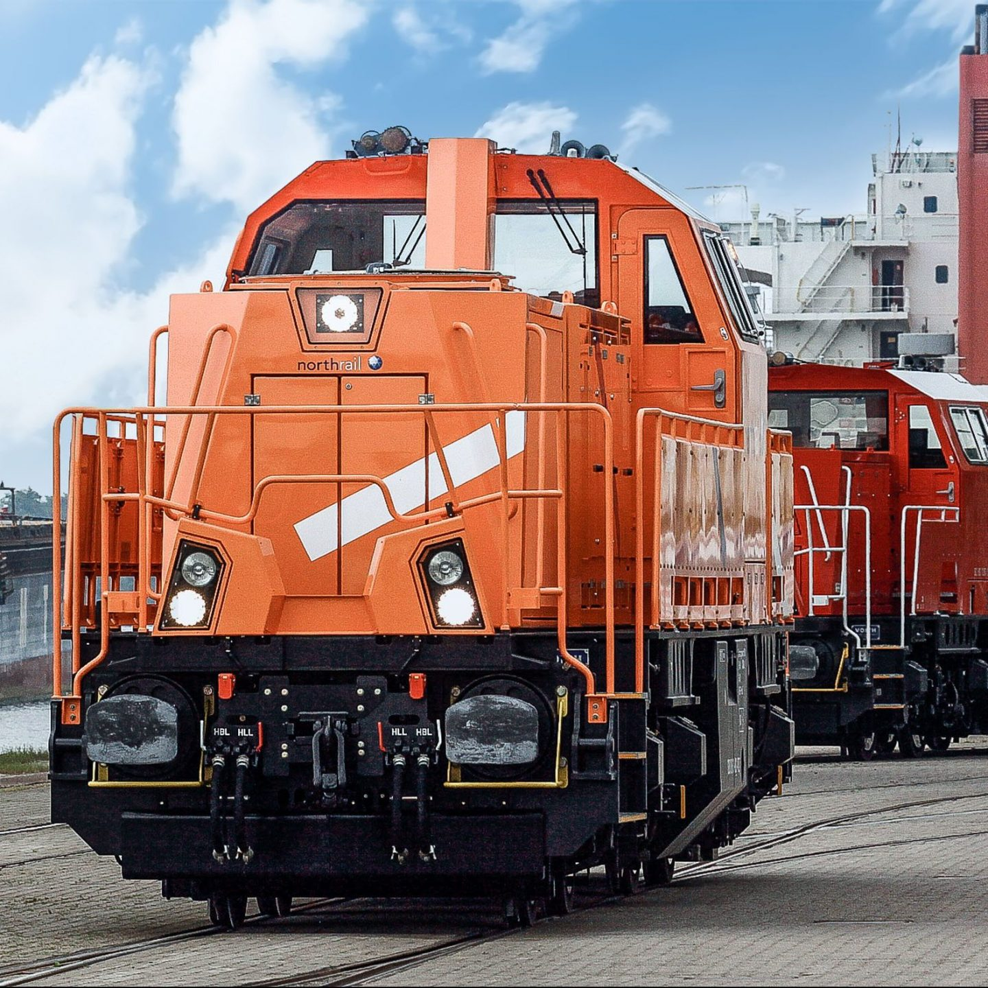 Paribus Rail Portfolio II - Northrail-Lokomotive am Hafen