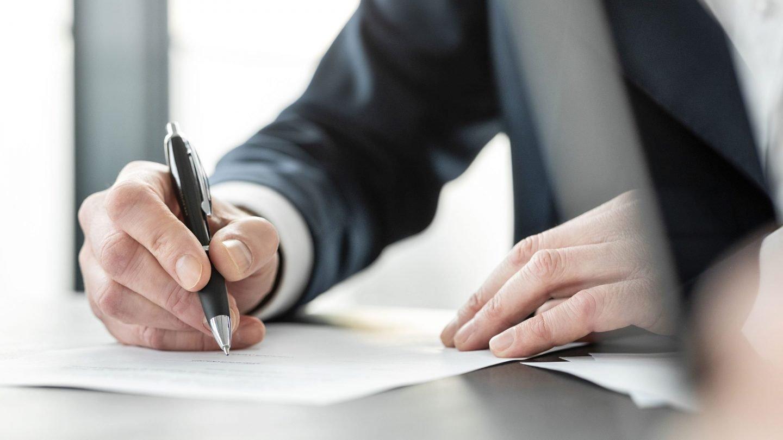 Unterzeichnung von Beitrittsunterlagen