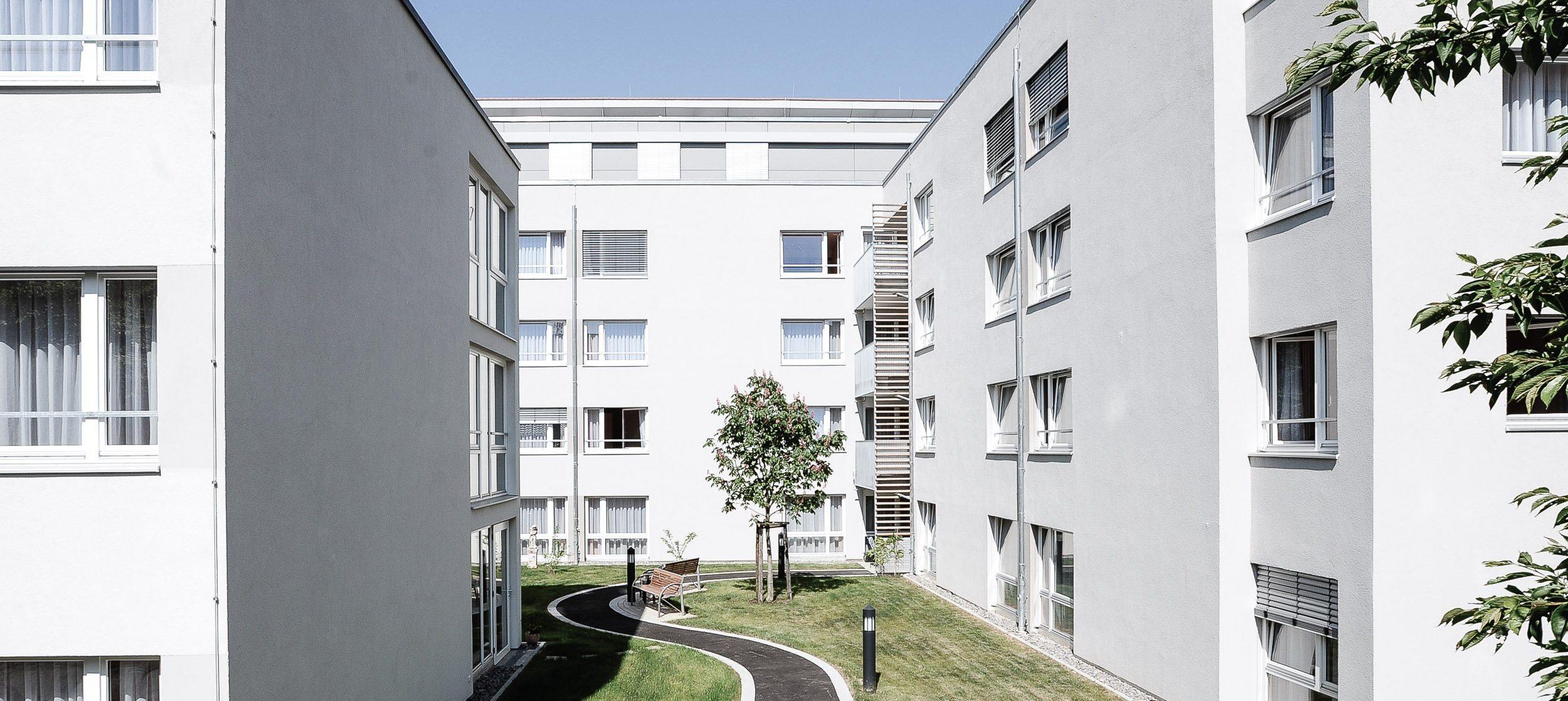 Pfelgeheim Haus Melchior Esslingen - Außenansicht Gartenseite
