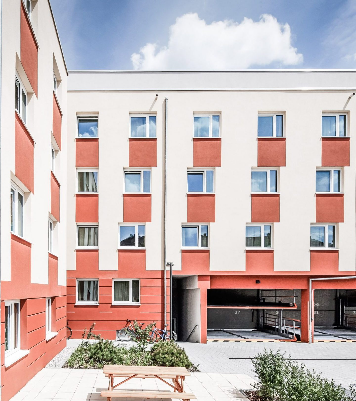 Studieren Wohnen II - Innenhof SMARTments Darmstadt