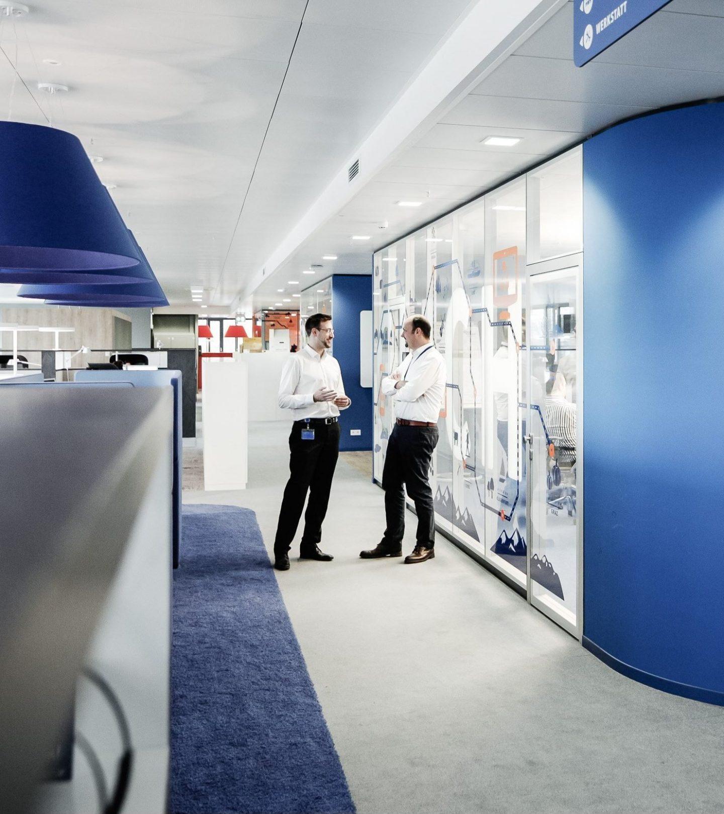 TeamBank Unternehmenszentrale Nürnberg - Büroflur