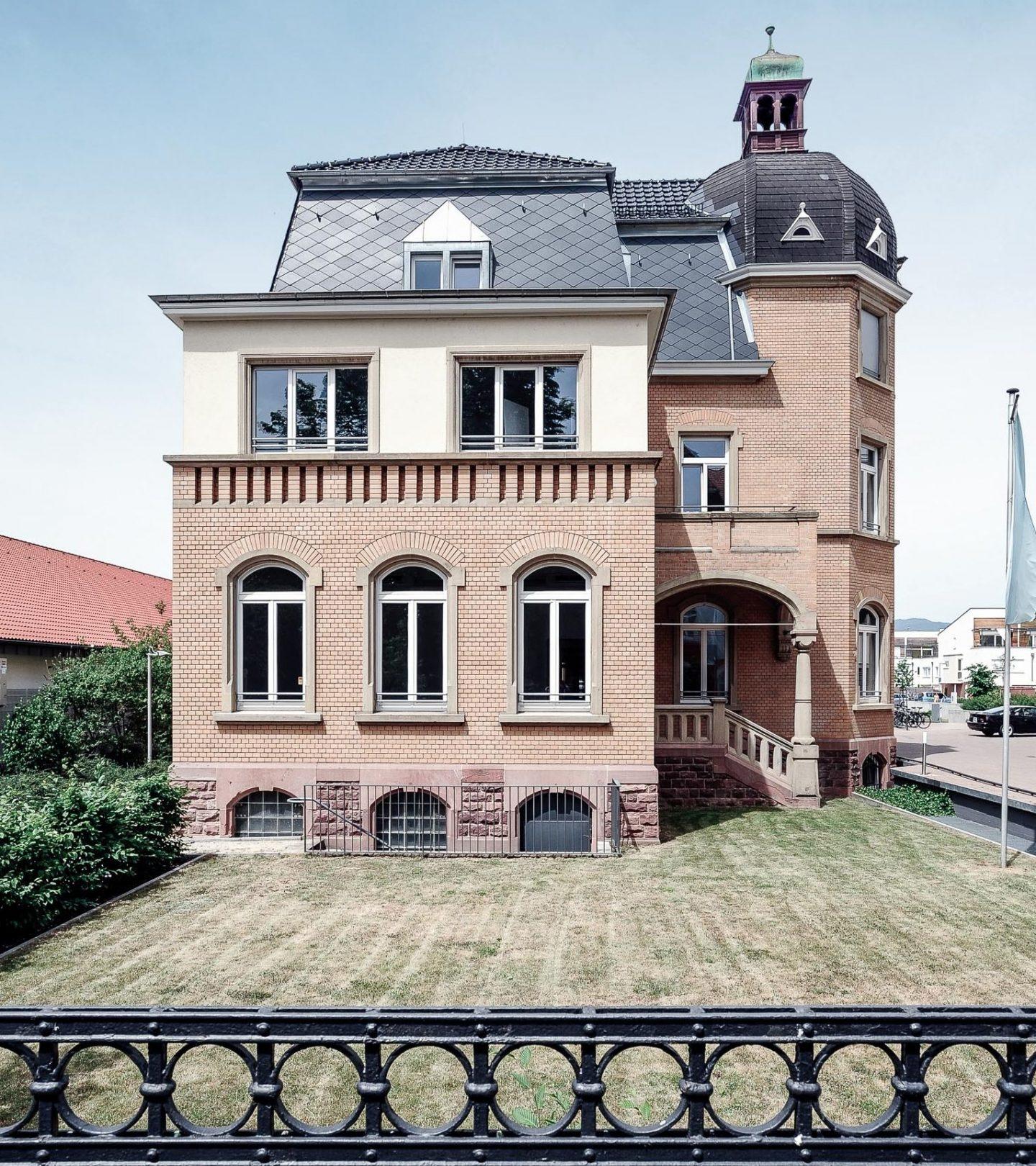 Villa Fuchs Heidelberg - Außenansicht von der Straße