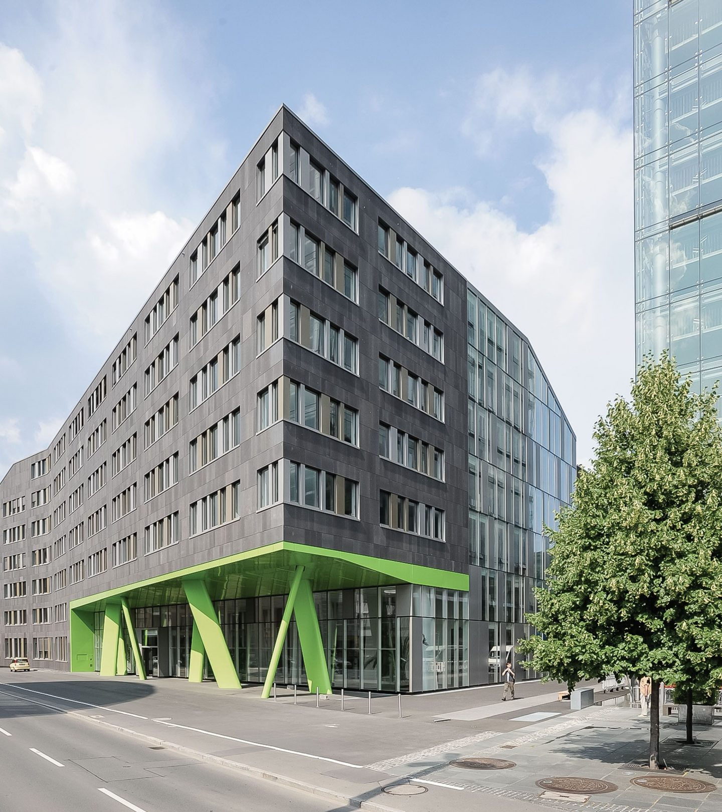 X-House Heidelberg - Außenansicht