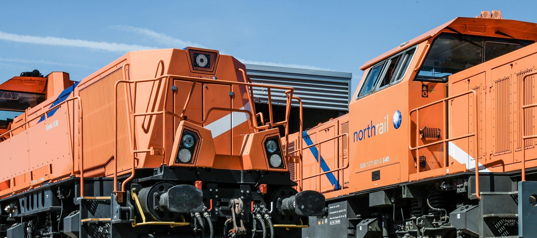 Zwei northrail-Lokomotiven - Nahaufnahme
