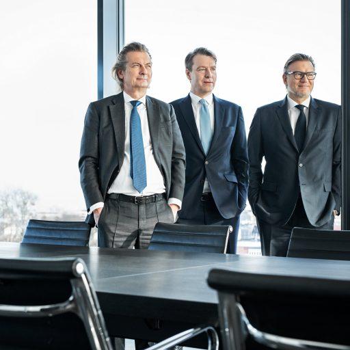 Geschäftsführung der Paribus-Gruppe, von links: Dr. Christopher Schroeder (geschäftsführender Gesellschafter), Dr. Volker Simmering und Thomas Böcher